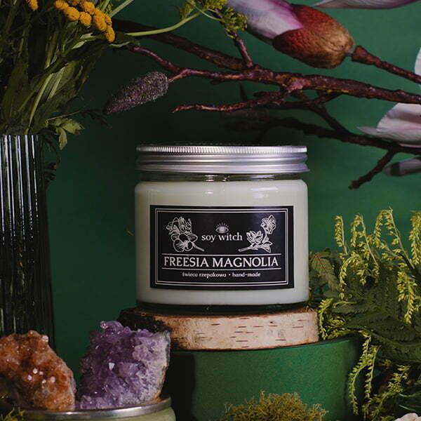 Zapachowa świeca - freesia magnolia